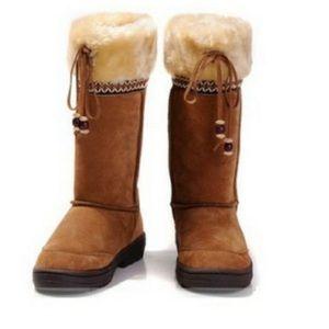 EUC Ugg Sheepskin Shearling  Boots